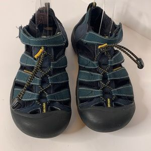 Men's Keen waterproof hiking sandals 6
